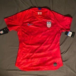 New Nike USA Woman's Jersey PUGH#2 Sz M